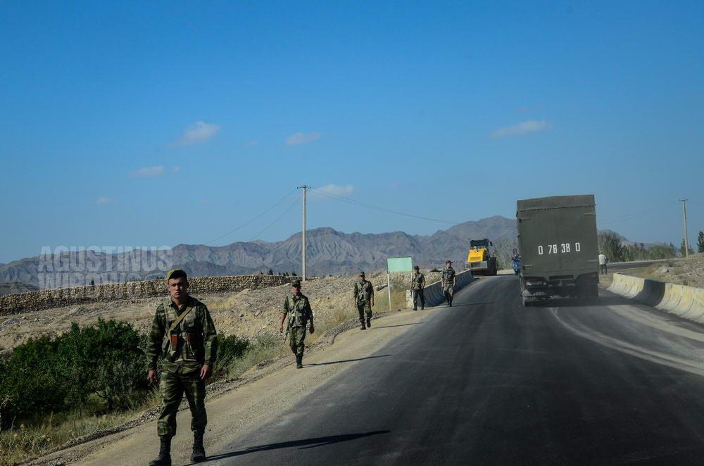kyrgyzstan-2015-batken-border-patrol-tajikistan-enclave