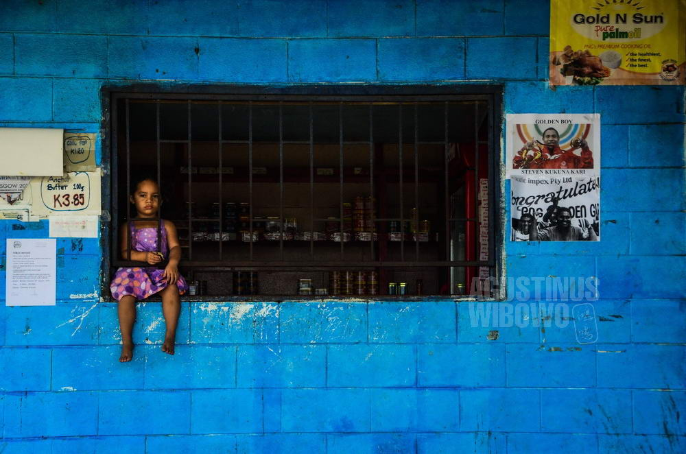 papua-new-guinea-2014-port-moresby-shop-protection-crime