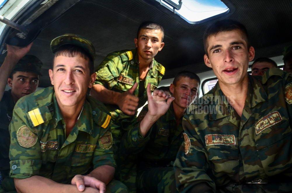 tajikistan-2015-panjakent-young-soldier