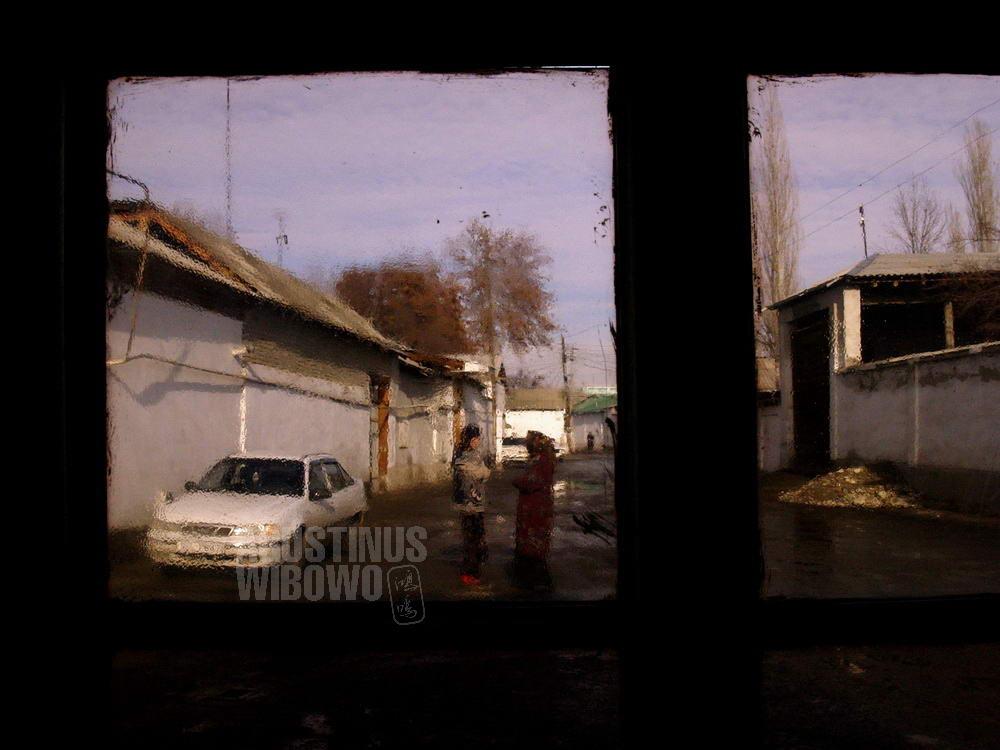 uzbekistan-2007-margillan-ferghana-windows-street-alley-mahalla