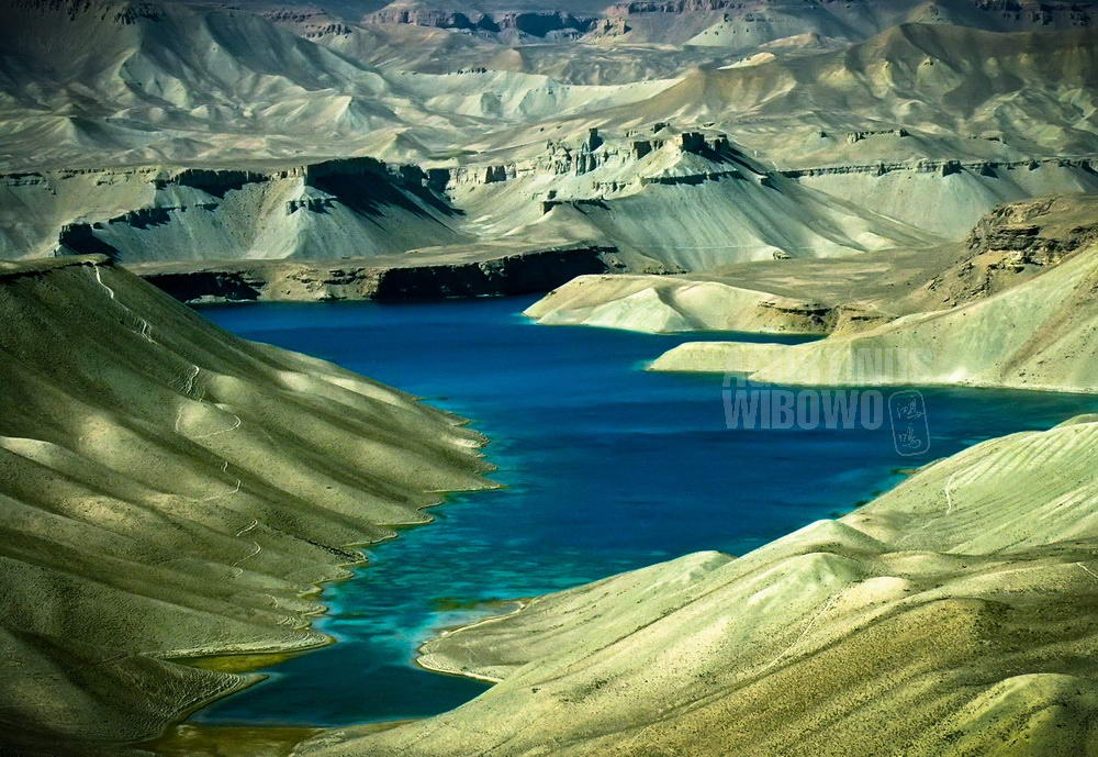 afghanistan-2006-bamiyan-band-e-amir-lake-scenery-crystal-blue-water