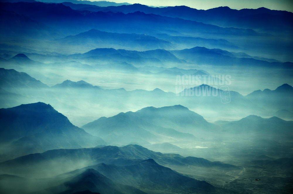 afghanistan-2008-kabul-mountain-layers-sky