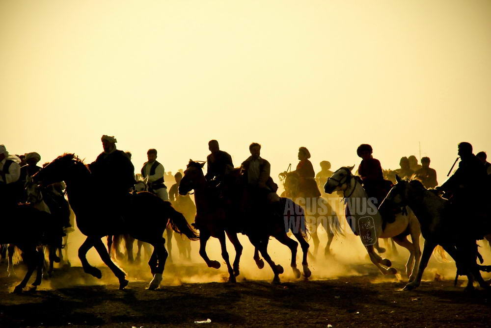 afghanistan-2008-mazar-sharif-naoruz-buskashi-silhouette-dust-ground