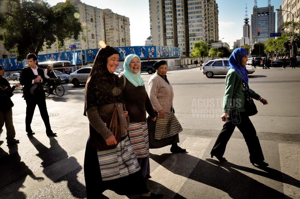 china-2010-beijing-tibetan-muslim