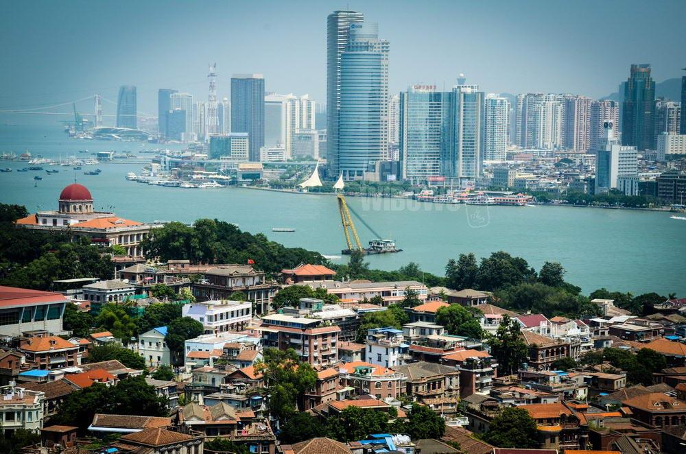 china-2012-xiamen-gulangyu-modern-cityscape