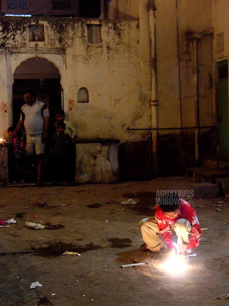 india-2005-jaipur-diwali-fire-cracker