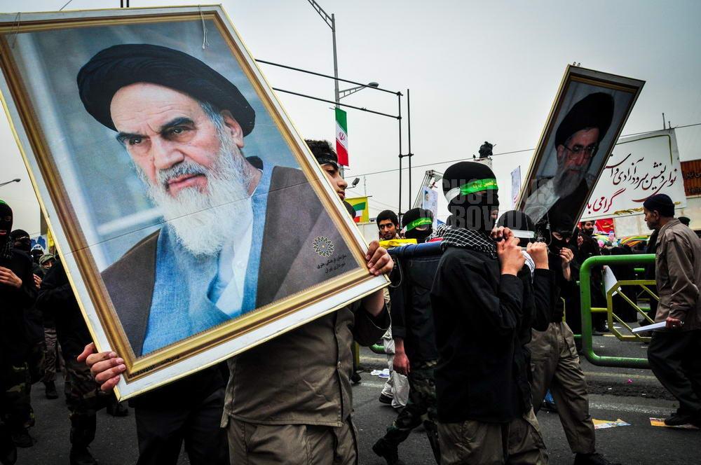 iran-2009-tehran-islamic-revolution-khomeini-khamenei