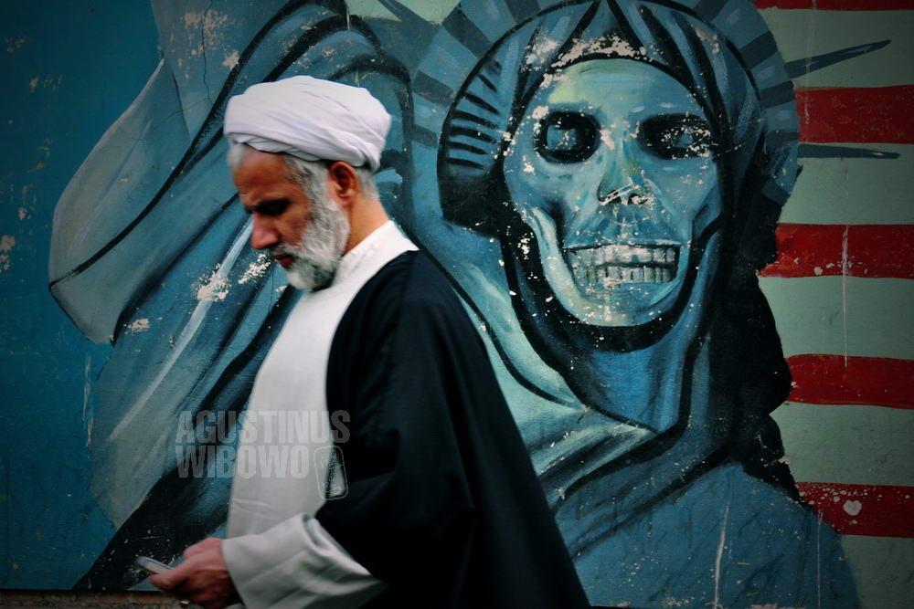 iran-2009-tehran-us-embassy