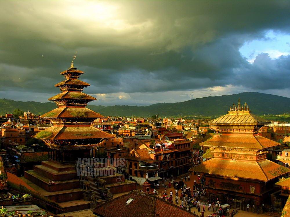 nepal-2005-bhaktapur-golden-sunset-nyatapola-pagoda
