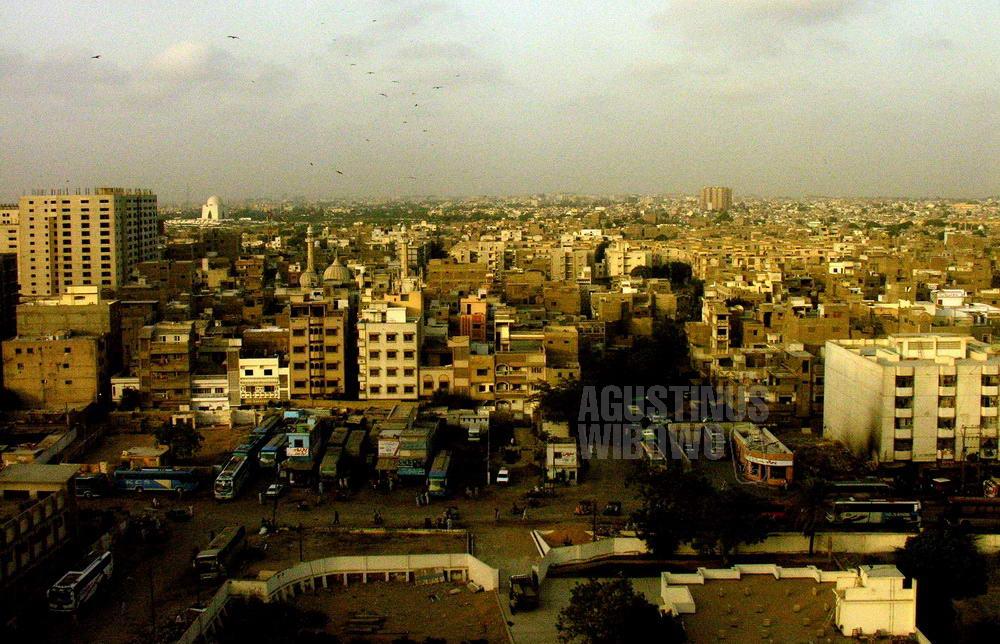 pakistan-2006-karachi-cityscape-street
