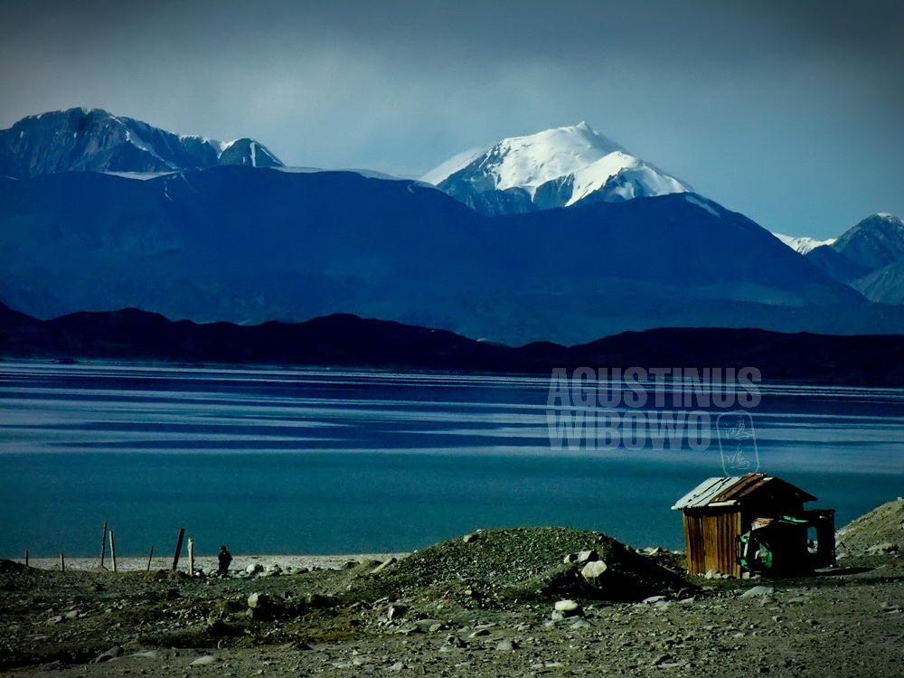 tajikistan-2006-gbao-karakul-lake-snow-mountain