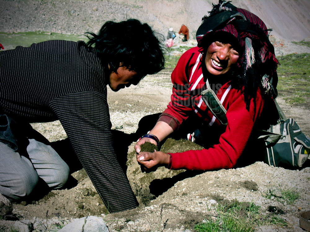 tibet-2005-kailash-pilgrimage-pilgrims-parents-hair-shiwa-tsal