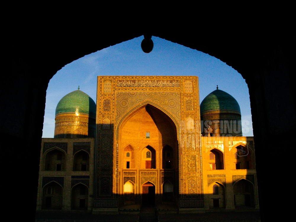 uzbekistan-2007-bukhara-mir-i-arab-madrasah