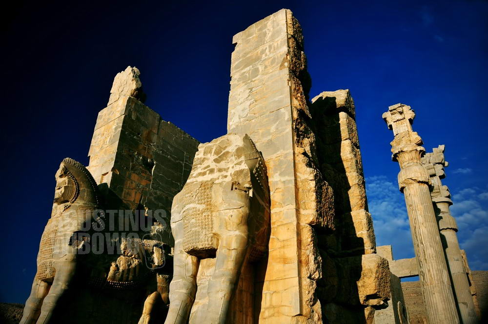 iran-2009-shiraz-persepolis-entrance-gate