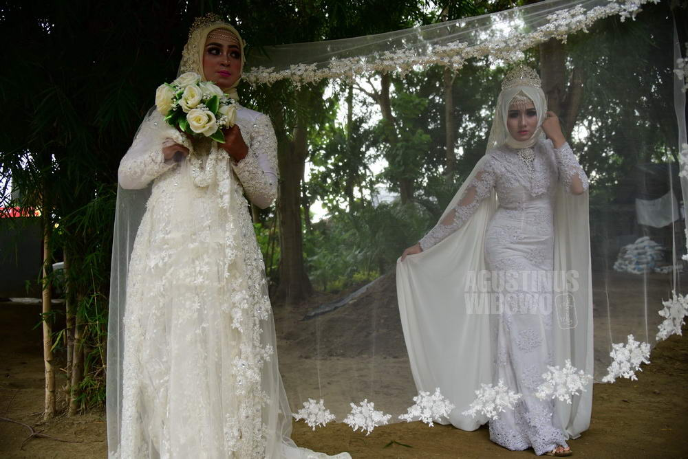 Agustinus Wibowo Photography Western Cum Islamic Wedding Dress